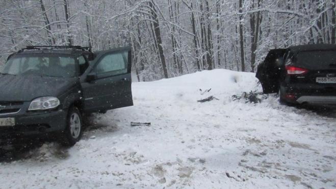 Снегопад вывел из строя три машины