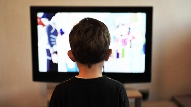 По телевизору будут показывать видеоуроки для школьников
