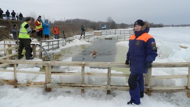 Республиканский заплыв моржей прошёл под надзором сотрудников МЧС