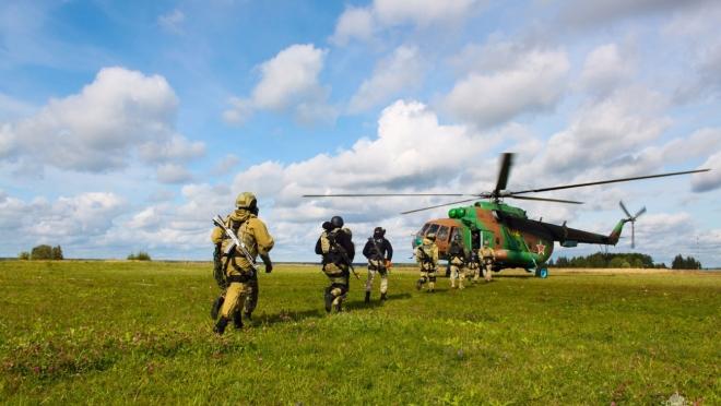 В Марий Эл спецназовцы отработали десантирование с вертолёта