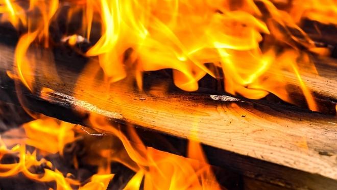 Пожарные Советского района успели вывести из дымового плена троих человек