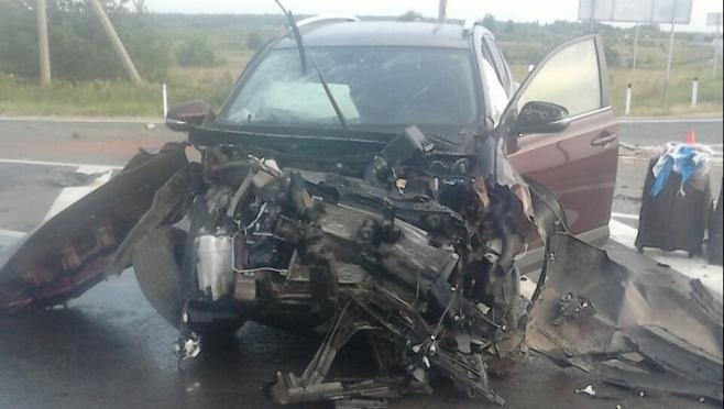 В Марий Эл госпитализировали 5-летнюю девочку после столкновения «КамАЗа» с Toyota