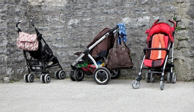 Йошкаролинец похитил детскую коляску