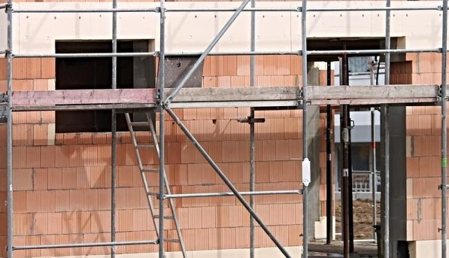 В Йошкар-Оле продолжаются работы по капитальному ремонту жилых домов