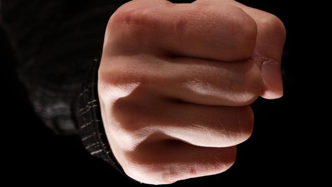 Житель Марий Эл истязал несовершеннолетнюю дочь и угрожал жене