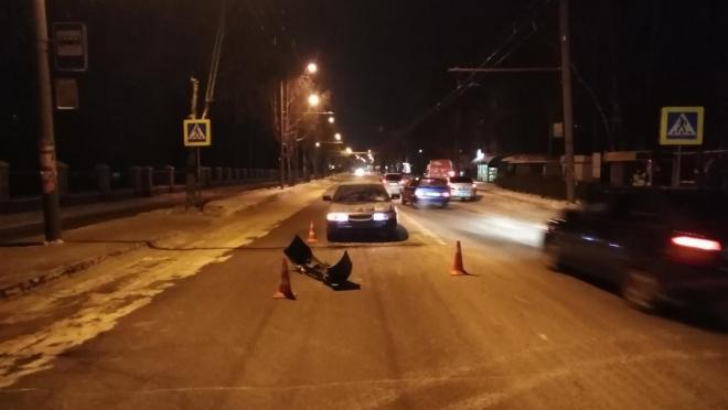 В Йошкар-Оле 19-летний водитель на пешеходном переходе сбил женщину