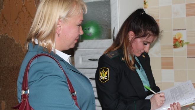 Налоговики Йошкар-Олы и УФССП в казну РФ взыскали почти 1 млн рублей