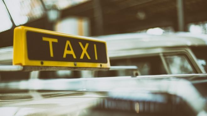 Сотрудники ГИБДД выявили многочисленные нарушения в машинах такси