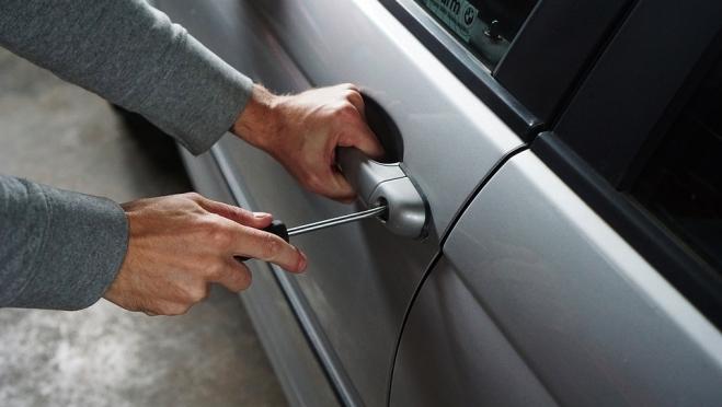За выходные  в Марий Эл совершено две кражи из машин