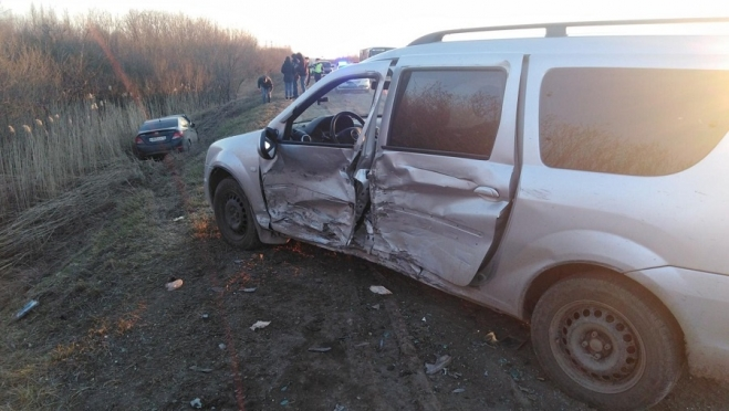 На трассе «Йошкар-Ола – Уржум» иномарку столкнули в кювет