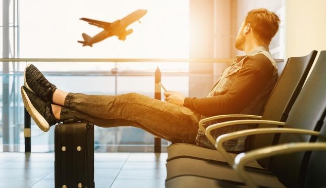 В аэропорты вернули курилки