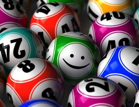 Почему люди играют в лотерею
