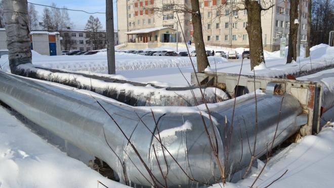 В Йошкар-Олинской городской больнице реставрируют надземную тепловую сеть