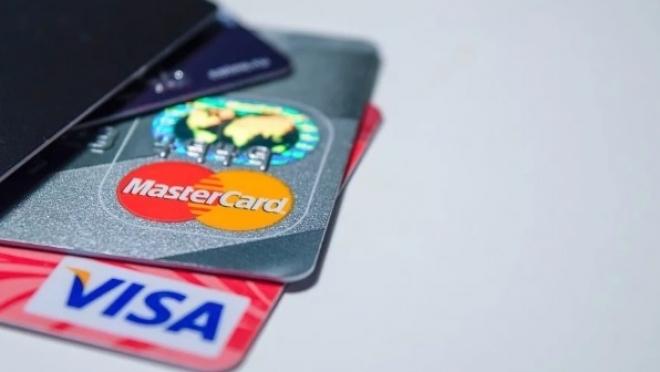 Новый вирус атаковал банковские мобильные приложения