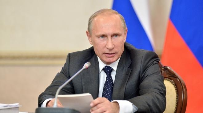 Владимир Путин ушёл на самоизоляцию из-за COVID-19