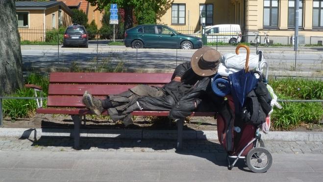 Глава СПЧ предложил брать пожилых бездомных в приёмные семьи