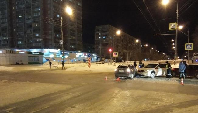Детали вечернего ДТП на перекрёстке Петрова — Чавайна