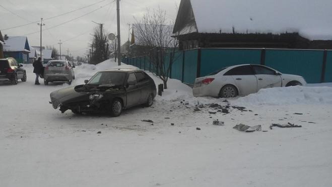 В Параньге не поделили дорогу «ВАЗ-2112» и иномарка
