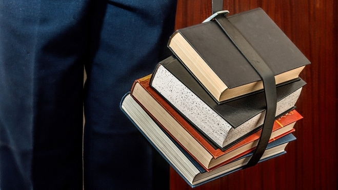 Минюст потребовал от Минпросвещения отменить новый перечень учебников