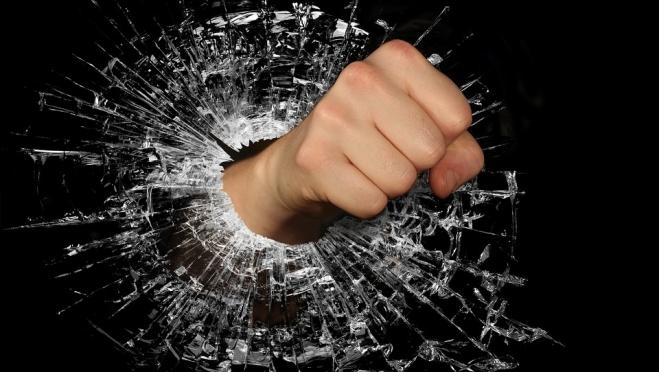 В Козьмодемьянске вандалы разбили окна в музее