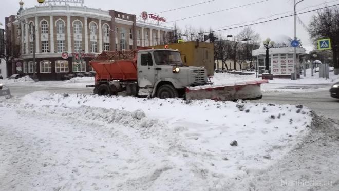 В Йошкар-Оле на уборке улично-дорожной сети задействовано около 40 машин