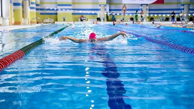 Всех российских школьников обучат плаванию