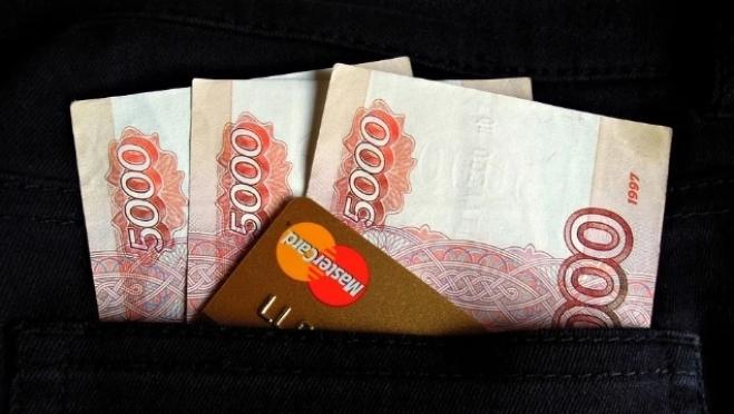 Лжесотрудник банка снял с карты йошкаролинки 400 тысяч рублей