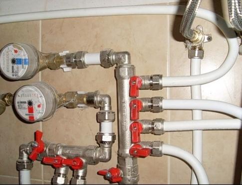 Ремонт водопроводных систем и сантехники в доме