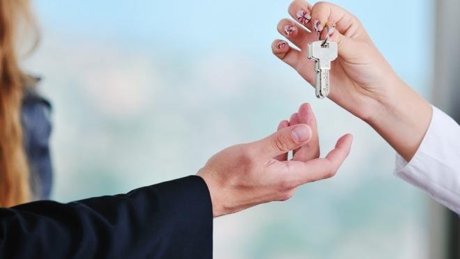 Как и кому можно подарить недвижимость