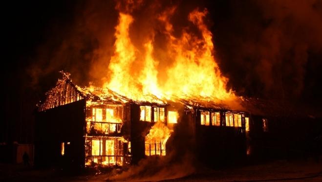 Ночью в Марий Эл сгорел дом с хозяином
