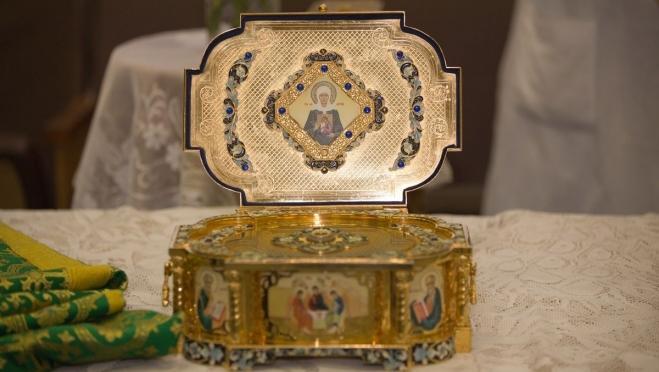 Мощи Матроны Московской доставили в кафедральный собор