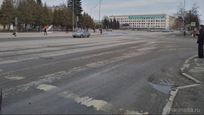 В центре Йошкар-Олы запретили парковать машины