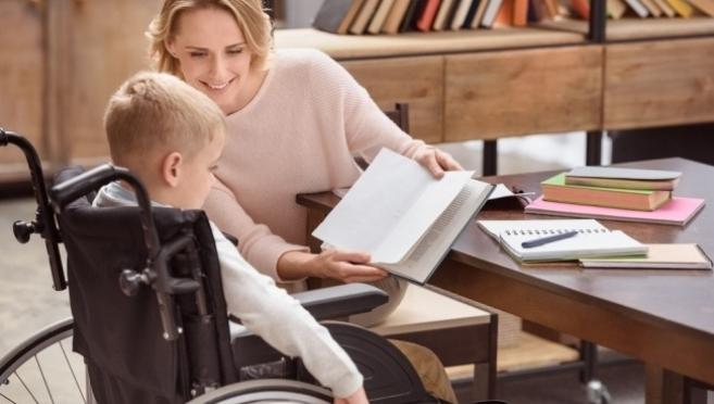 Подписан указ об обслуживании детей-инвалидов вне очереди