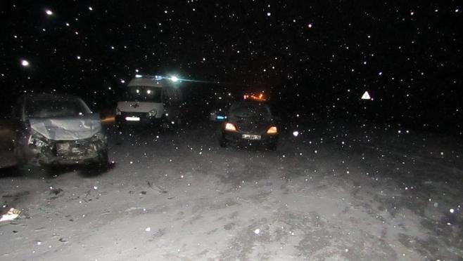 На трассе «Йошкар-Ола - Уржум» Mitsubishi врезалась в Lada Kalina
