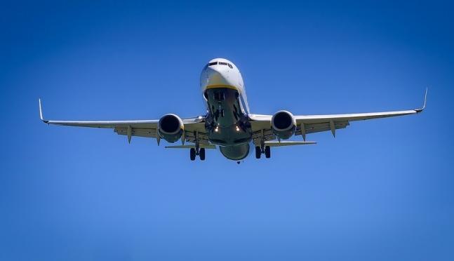 Что можно требовать от авиаперевозчика при задержке рейса