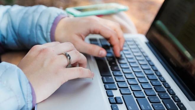 Жительницы Марий Эл пострадали от аферистов в соцсетях