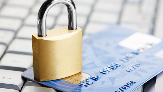Слухи или реальность: грозит ли денежный перевод блокировкой банковской карты