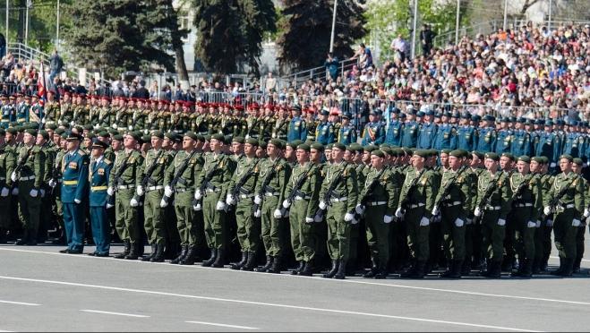 Военным на парадной форме решили оставить только 10 государственных наград