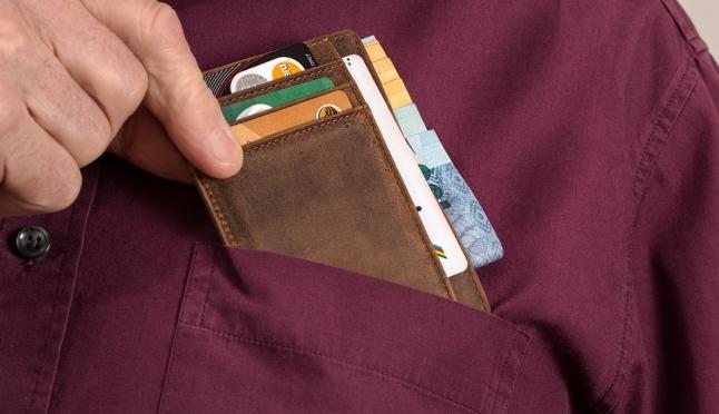 Житель Морков воспользовался найденной банковской картой и поплатился за это