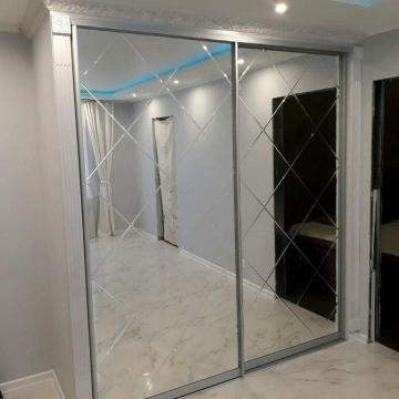 Двери купе 2200*1800 (2 двери), профиль серебро матовое, наполнение зеркало с гравировкой  11848руб