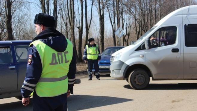 Пьяный водитель на иномарке сбил двух пешеходов в Волжске