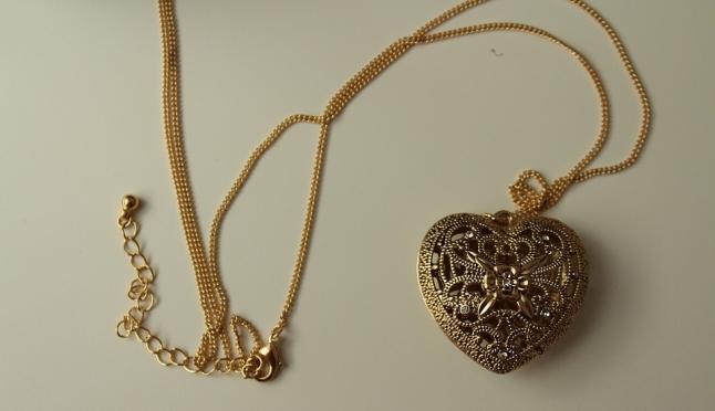 Знакомство в закусочной: йошкаролинка лишилась золой цепочки