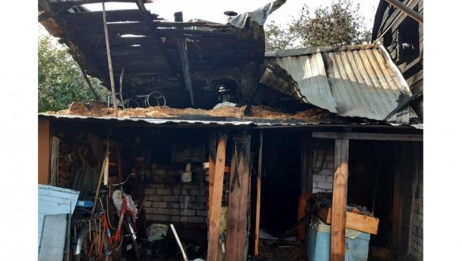 В Волжске огонь уничтожил жилое хозяйство